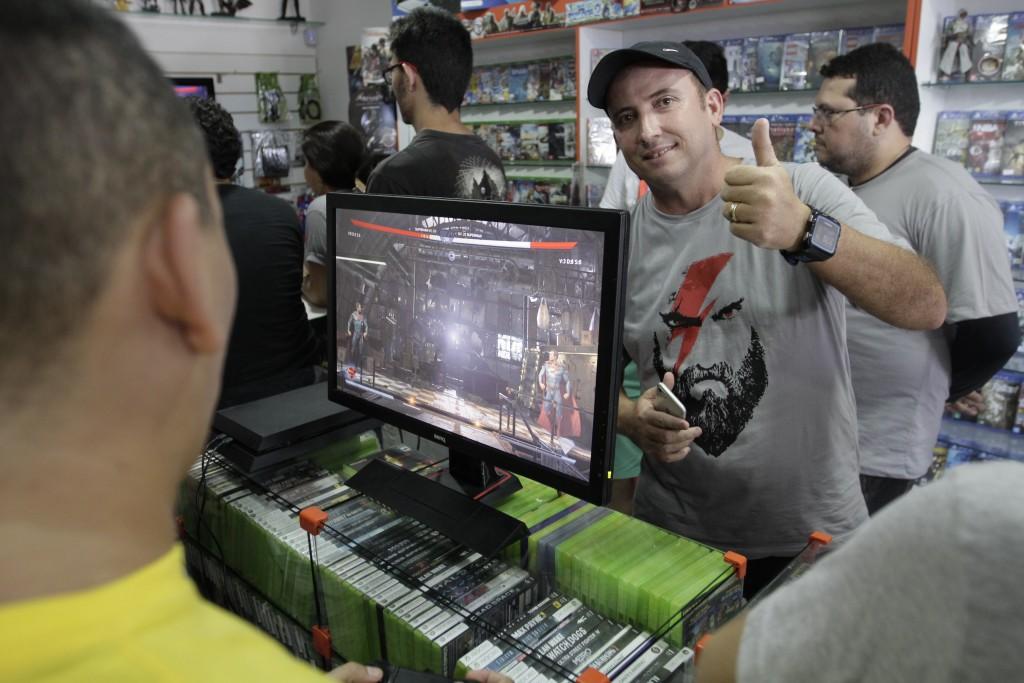 Junior, proprietário da loja elogiou a parceria com a UCEG (Foto: Toque de Midas)